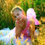 girl-811575_1920