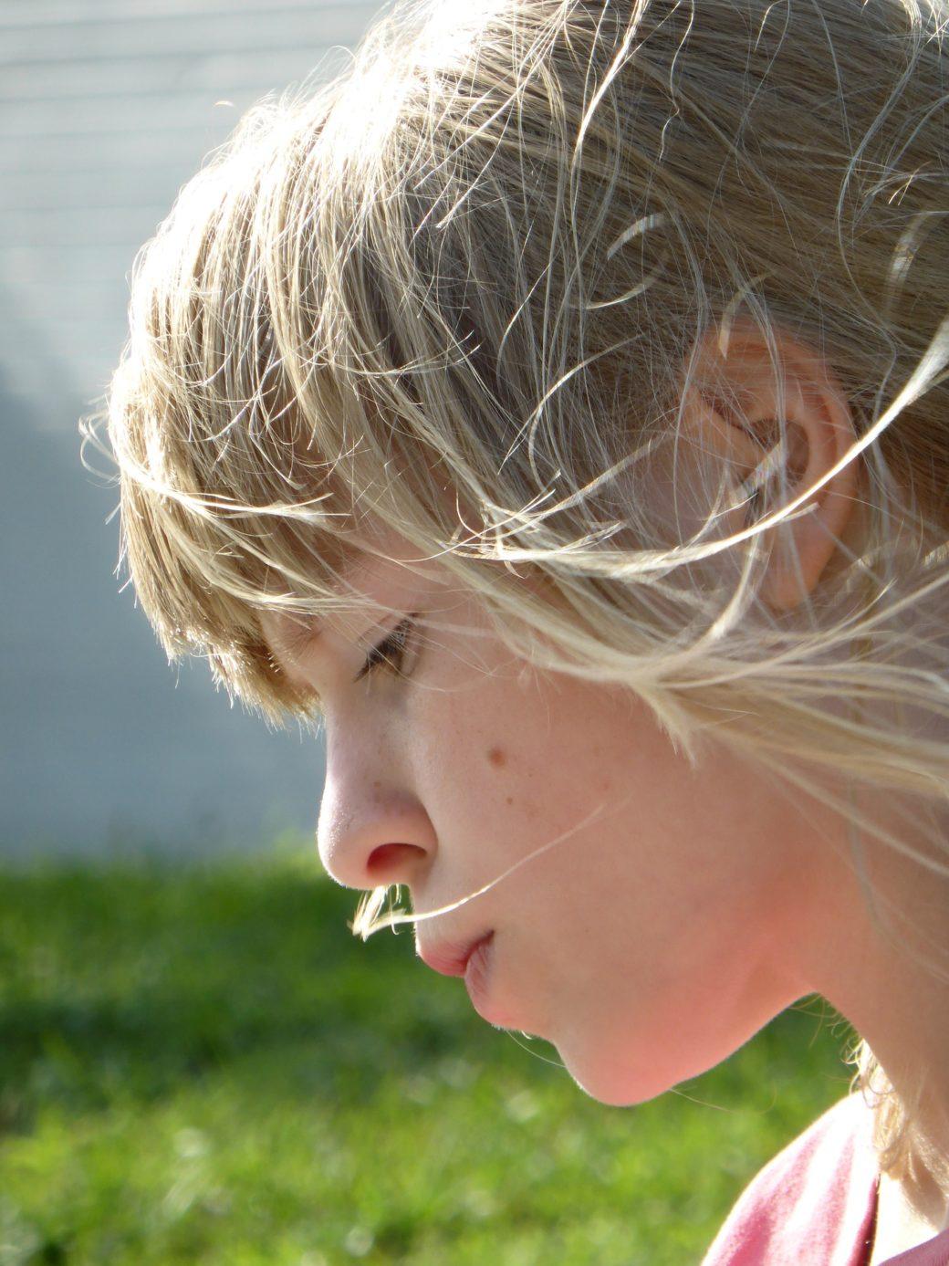 girl-417422_1920